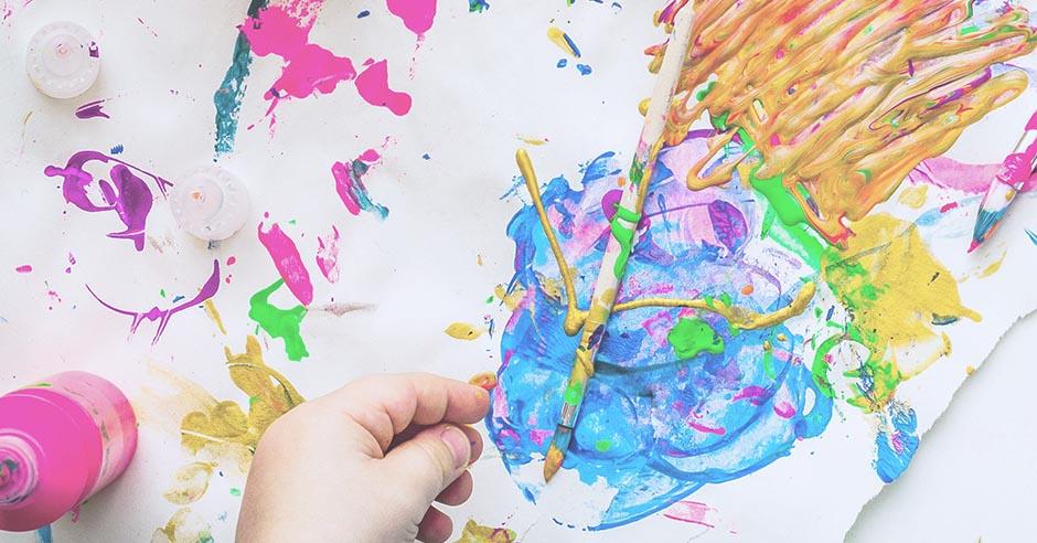 絵の具を使ってお絵描き