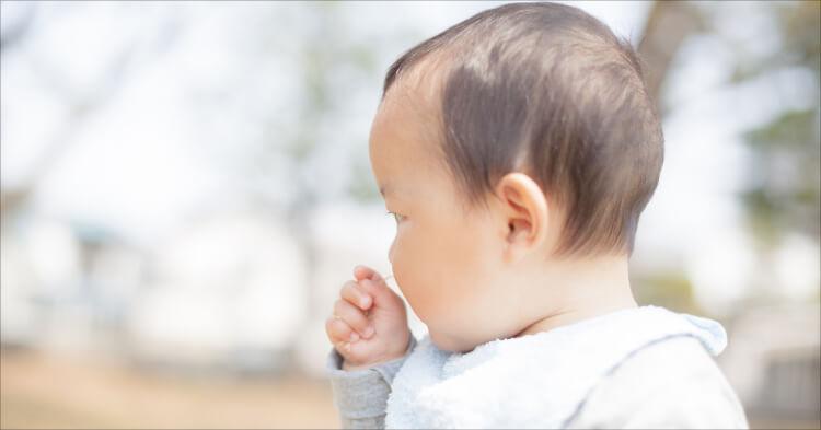 赤ちゃんスタイ_赤ちゃんの後ろ姿