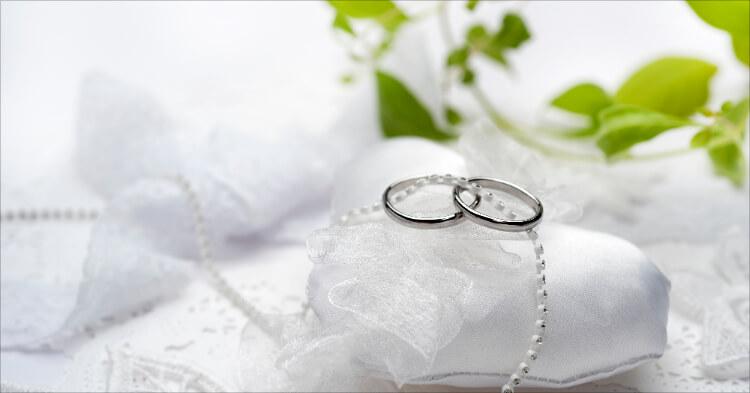 年賀状マナー_結婚指輪