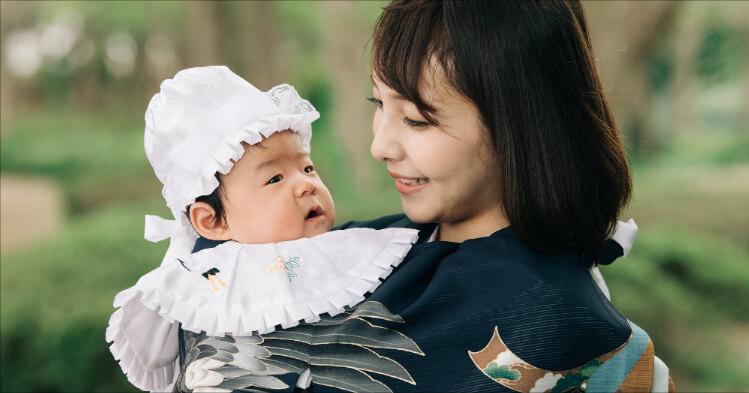 お宮参り_赤ちゃんとお母さん