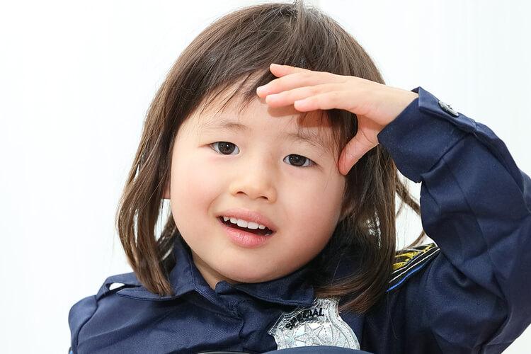 年賀状写真 ポリスのコスプレの女の子